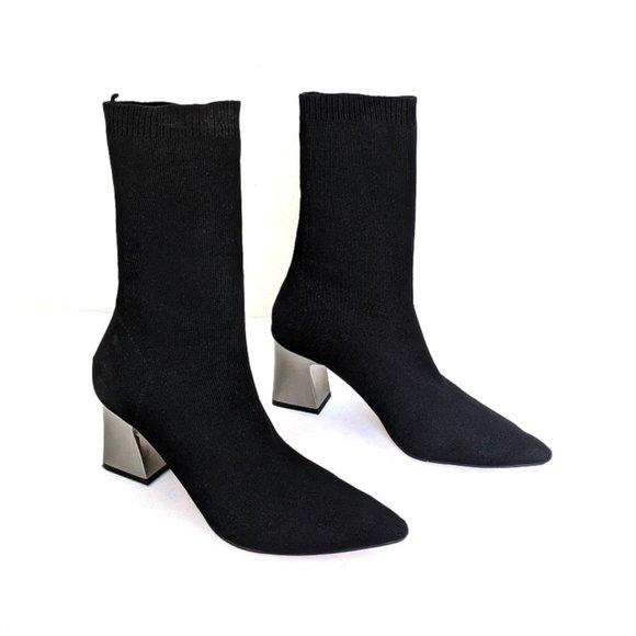 Zara Woman Black Pointed Toe Block Heel
